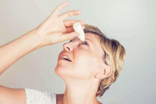 ブリモニジン点眼薬の使用法と副作用