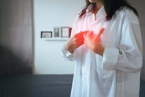 胃食道逆流症(GERD):症状と治療法