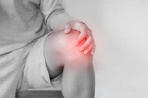 膝関節脱臼の原因と治療法