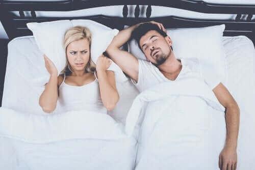 いびきを解消する4つの方法