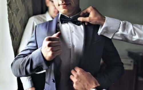 結婚式を成功させるために新郎と新婦がすべきこと 衣装選び