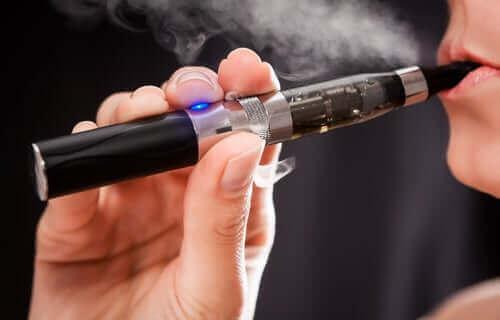 正しく理解しよう!電子タバコの持つ安全性への懸念 ベイピング
