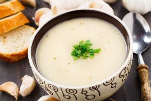 ガーリックスープのレシピ ビーガン
