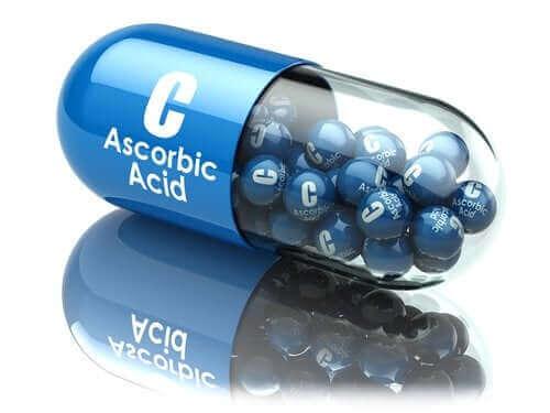 アスコルビン酸:用途と健康上の利点
