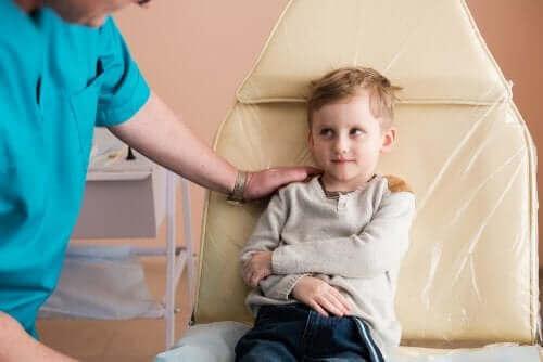 小児ネフローゼ症候群:原因と治療法