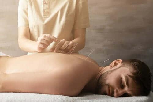 鍼治療は関節痛に効く?