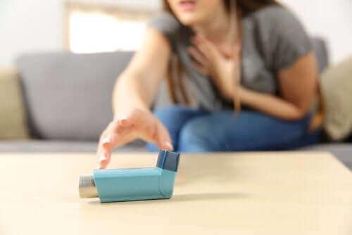 急性の重症喘息:その症状と治療法