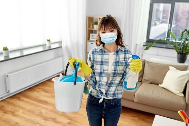 新型コロナウイルス:家の掃除と消毒に関する推奨事項