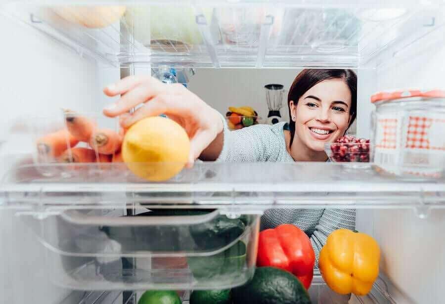 食べ物は新型コロナウイルスに汚染されますか? 冷蔵庫