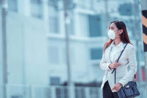新型コロナウイルスからの保護に役立つマスク