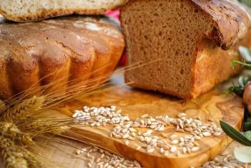 全粒パン パンを食べると太る