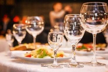結婚披露宴の料理はどうする?3つのメニューオプション