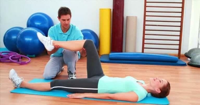 リハビリテーション 人工膝関節移植手術後の回復を早めるポイントとは