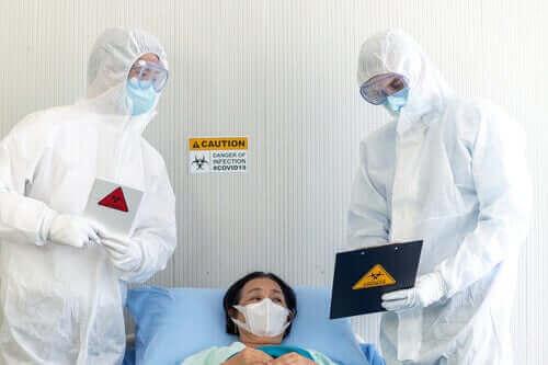 パンデミック時に医療従事者を守ることの重要性 医師と患者
