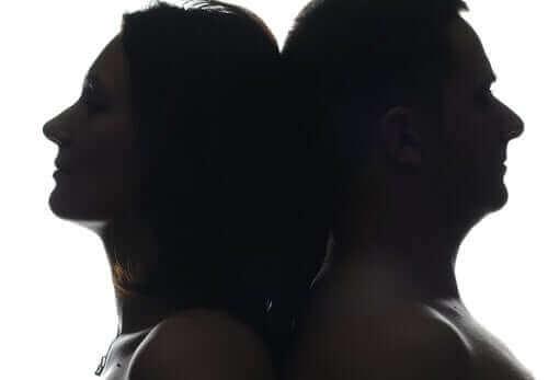 新型コロナウイルスが女性より男性に影響を与えるというのは本当?