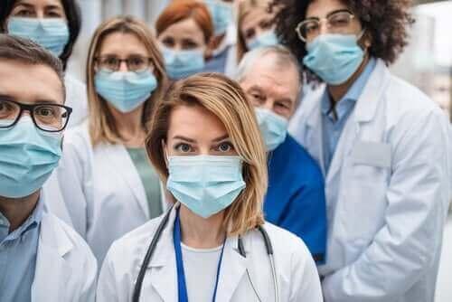 多くの医療従事者が新型コロナウイルスに感染する理由