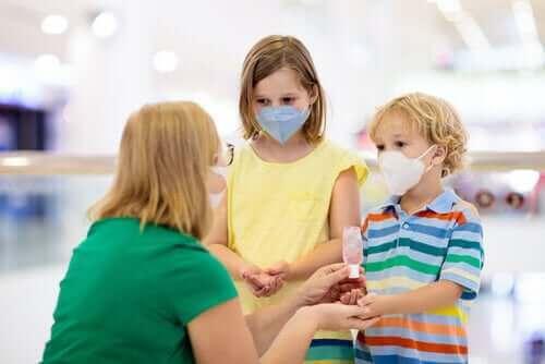 子供の新型コロナウイルス:知っておくべきこと