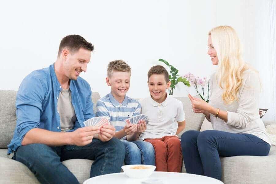 ロックダウン中に家族が仲良く過ごすためのヒント