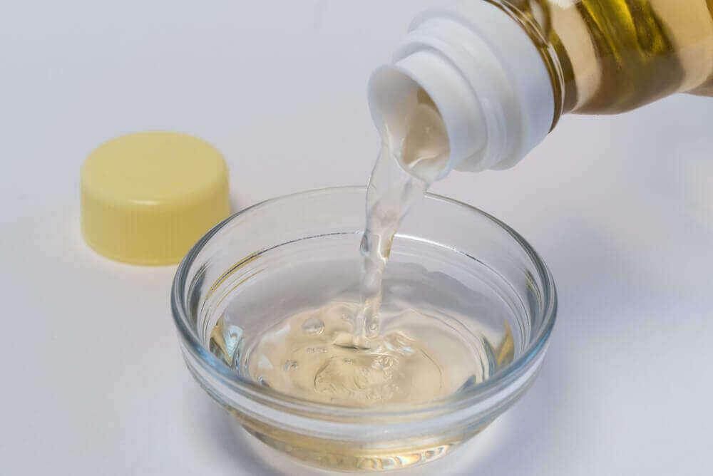 食べ物や飲み物に関する新型コロナウイルスのデマ 酢の効果