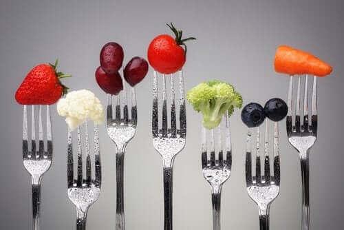 肥満の予防に役立つ食品のタイプとは? 豊富な食品を摂取する