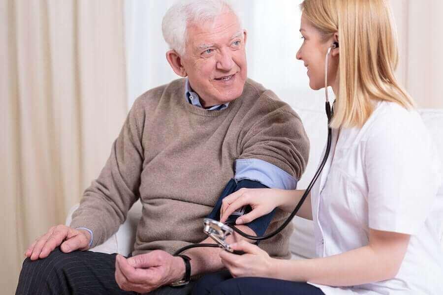 血圧測定 コロナ対策中に心血管系の健康を守る方法