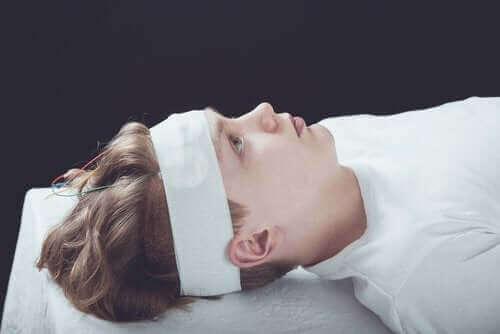 子供の脳しんとう:症状、診断、治療法