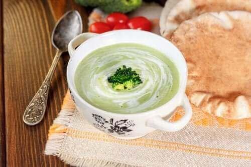 【免疫力を美味しくアップ!】野菜のクリーミースープ3選