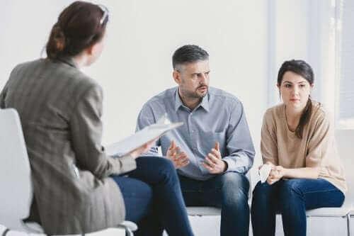 双極性障害の人と一緒に暮らすためのアドバイス