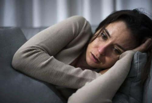 双極性障害の人と一緒に暮らすためのアドバイス 鬱状態の女性