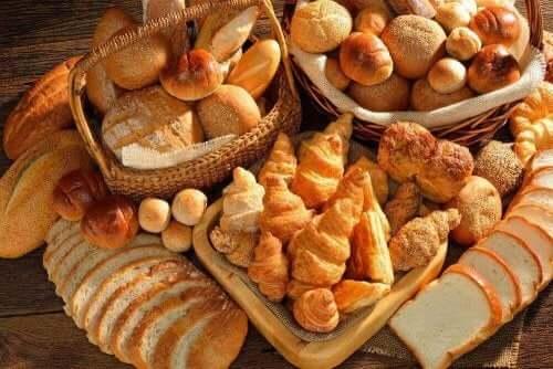 健康的な朝食 パン