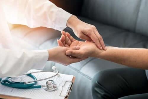 脈拍の簡単な測り方
