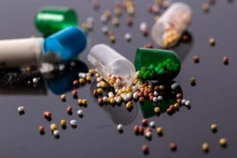 カプセル錠の薬 錠剤を潰す