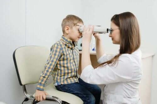 網膜芽細胞腫の症状、原因、治療法