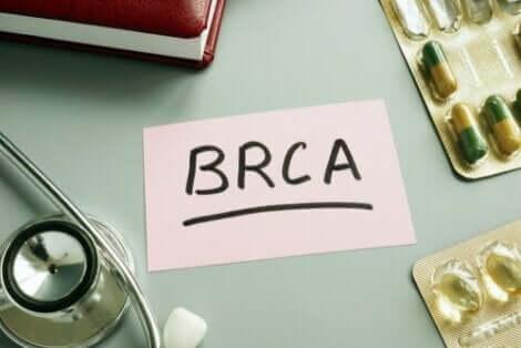卵巣の早期摘出 BRCA遺伝子