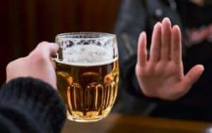 お酒を断る 乾癬の症状を抑える食べ物