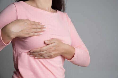 乳房の痛みと月経周期の関連性について
