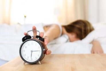 朝起きた時から疲れているのはなぜ?