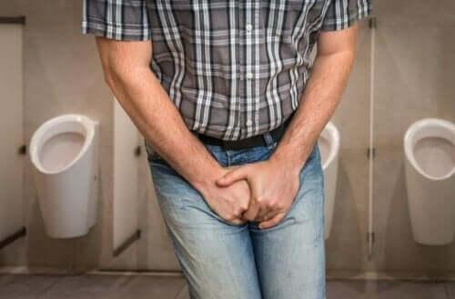 尿意をもよおす人 抗生物質は尿路感染症にどう作用するのか