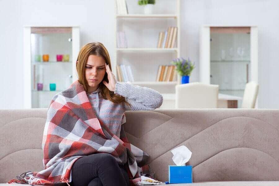 感染症であるレプトスピラ症の症状について 病気の女性