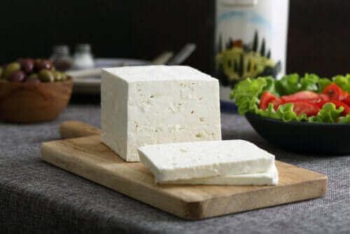 絶対食べたい フェタチーズの利点をご存知ですか?