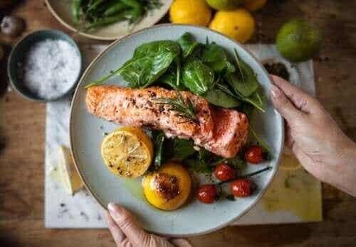 早い時間に食べる夕食はダイエットと糖尿病予防に効果的