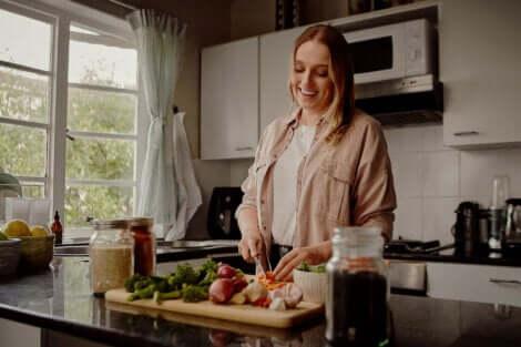 夕飯を早い時間に取ることで、糖尿病や肥満を防ぐ可能性あり 健康