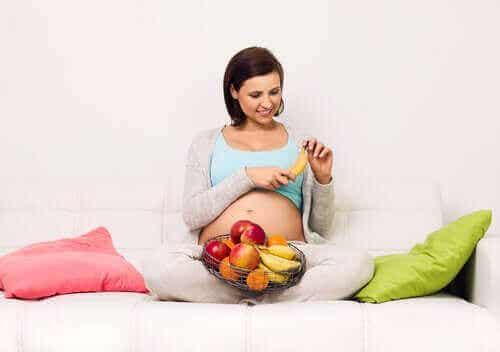 気をつけて!妊娠中の高糖質食のリスク