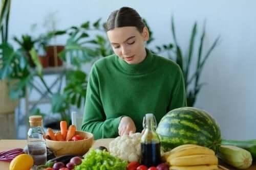 知ってるようで知らない!ビタミンAの特徴と働き 野菜と果物