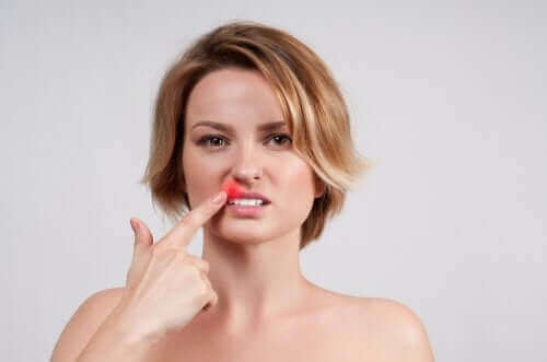 炎症が現れる感染症:口唇ヘルペスの特徴と治療法