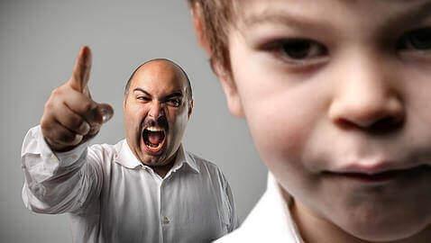 怒鳴る 子供