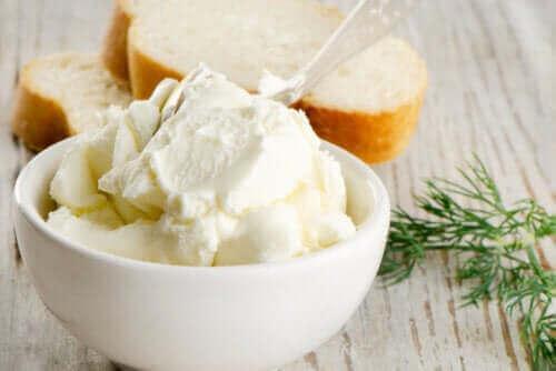【美味しいけれど】クリームチーズって体にいいの?