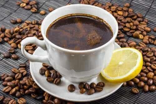 コーヒーとレモンっていい組み合わせなの?